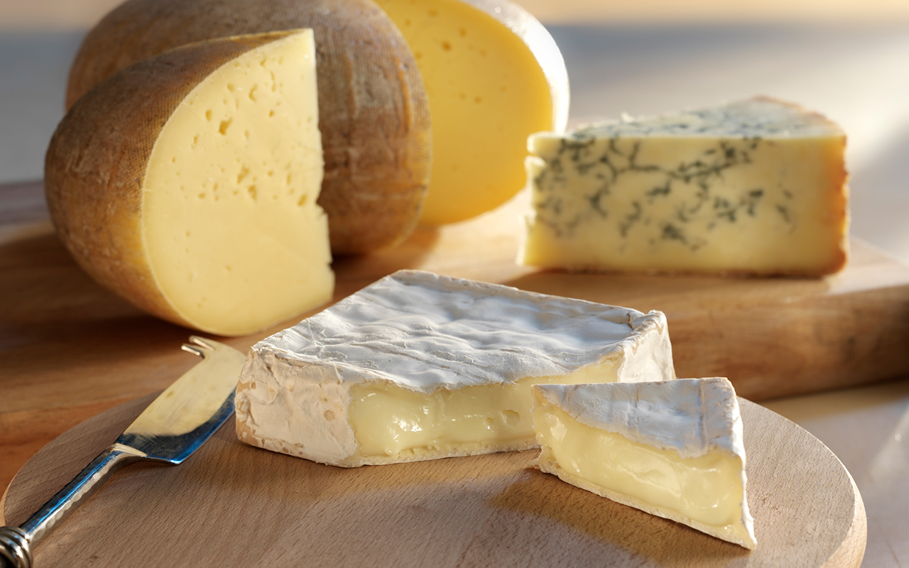 Buy The Bath Organic Cheese Selection Box at Pong Cheese