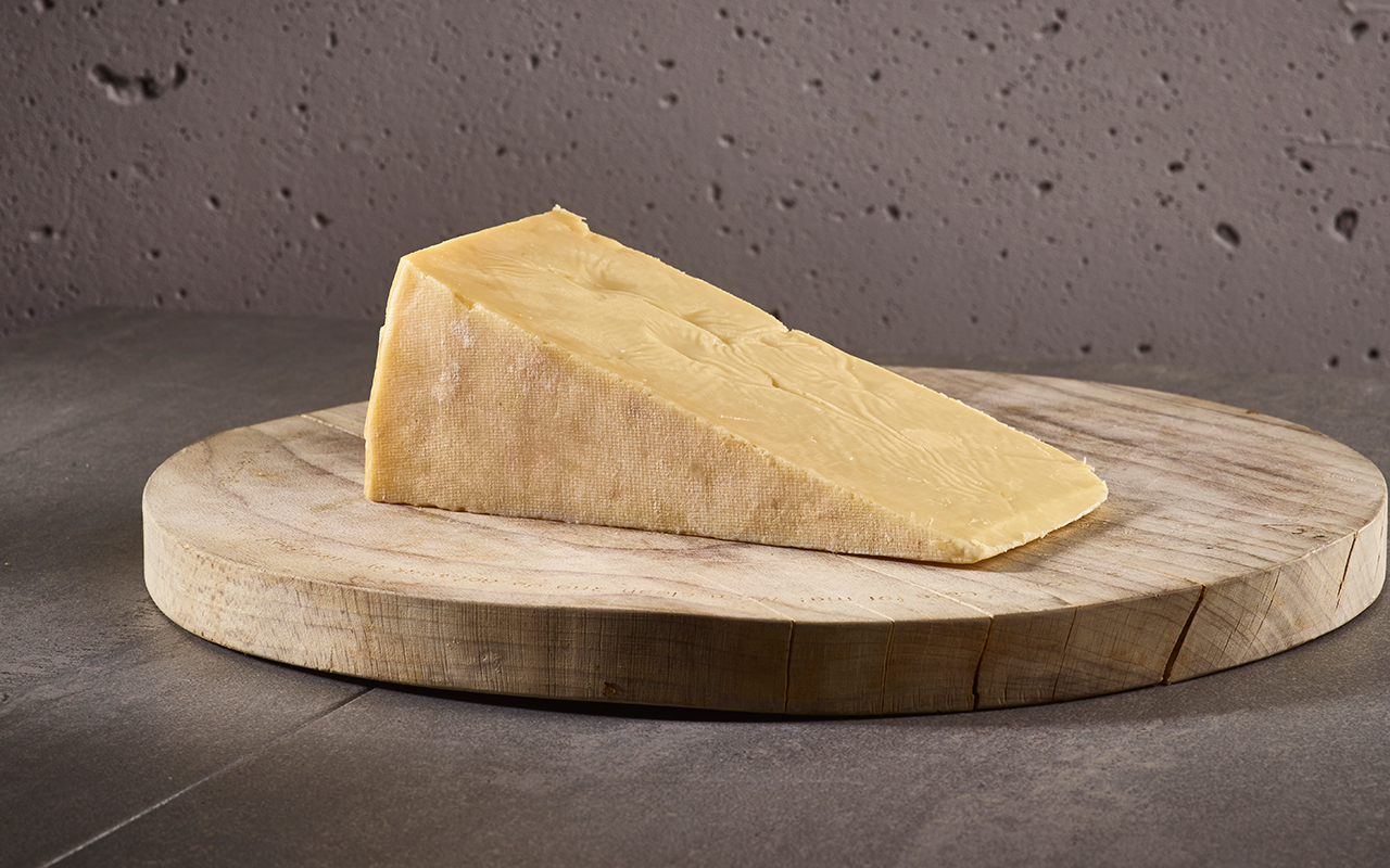Pong Cheese Westcombe Cheddar wedge