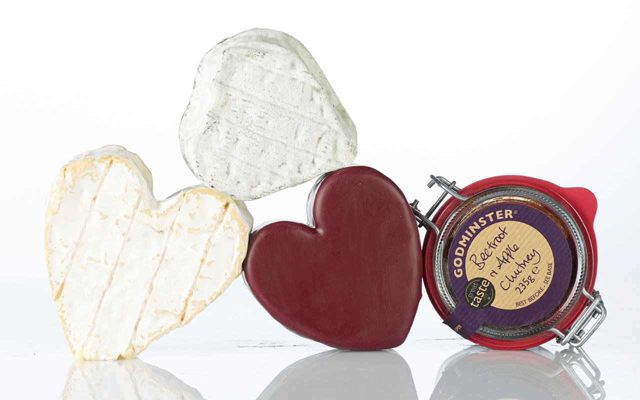 Pong Cheese A Heart-Shaped Box