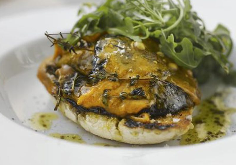 Grilled cheesy mushrooms with Red Leicester Cheese Recipe
