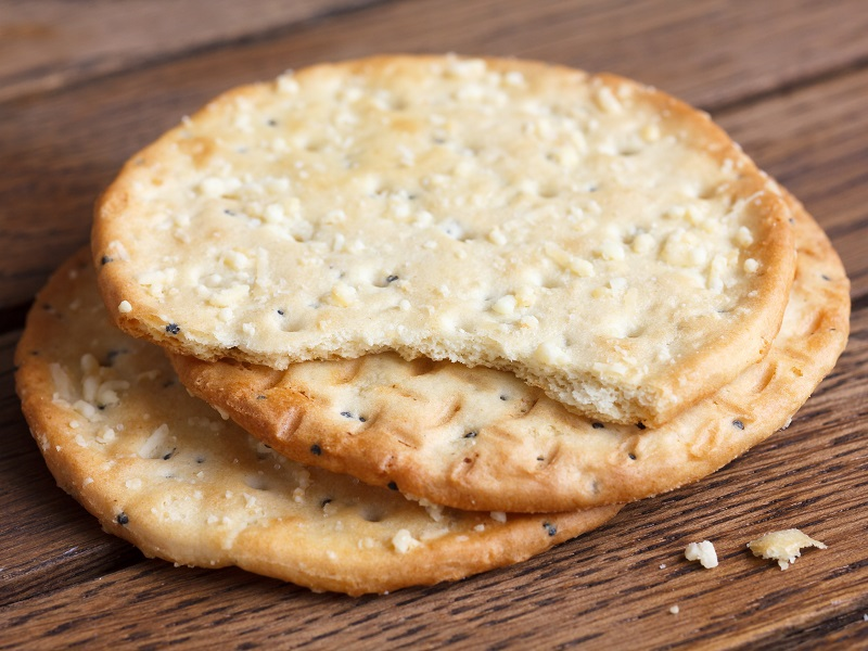 Montgomery Cheese And Black Pepper Crackers Pong Cheese