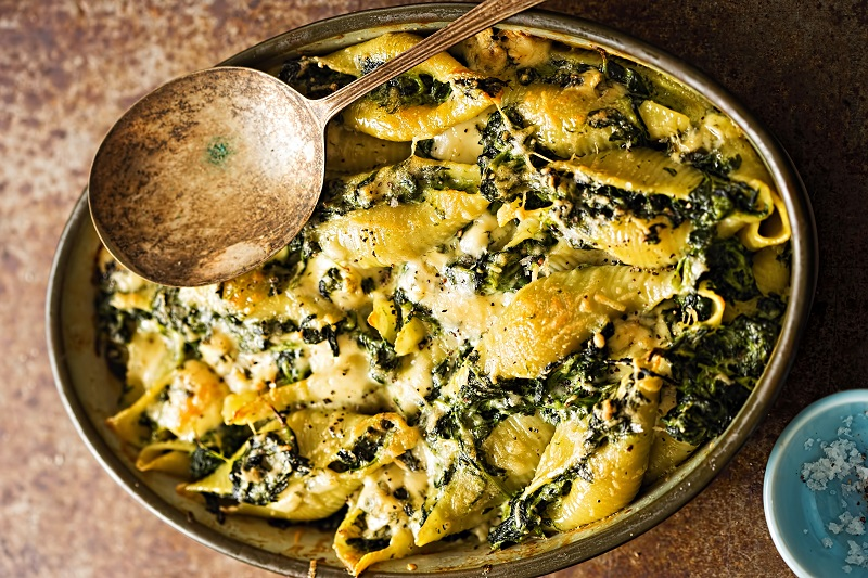 Spinach, pasta and blue cheese bake