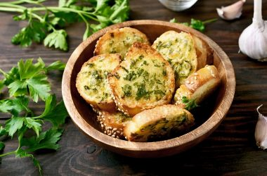 Green Thunder Garlic Bread