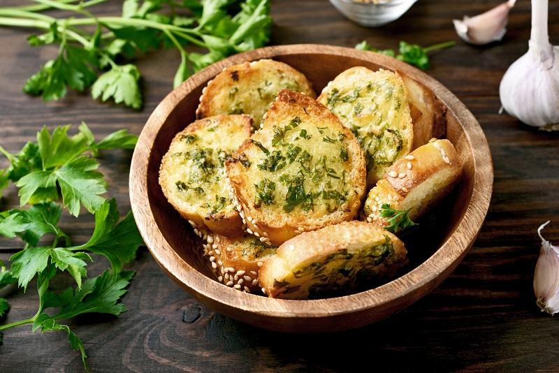 Green Thunder Garlic Bread