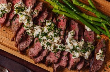 Steak with Perl Las blue cheese sauce