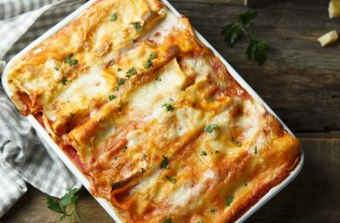 Traditional cheese lasagna