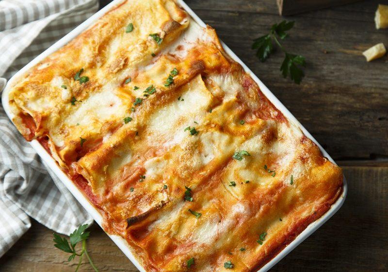 Traditional cheese lasagna